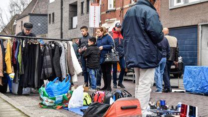 Rommelmarkt op Dorpsplein