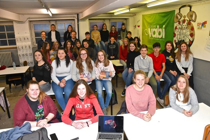 De vijfdejaars brengen straks met plezier 24 uur in de klas door voor Australië.