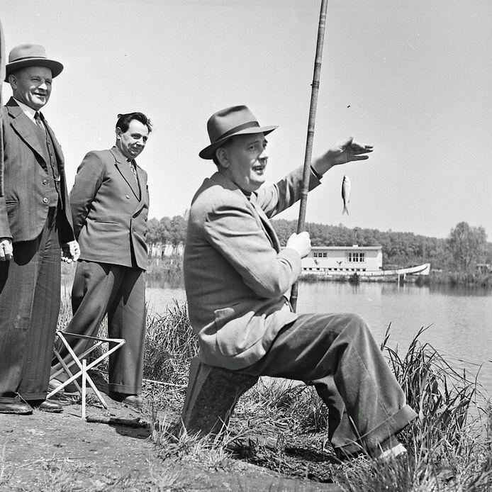 Viswedstrijd tussen journalisten en de Club van Honderd in Meerveldhoven
