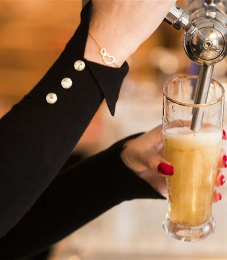 Bier voor de helft, want de tap moet leeg in Tilburgse kroegen: 'We hopen dat het nog op gaat'
