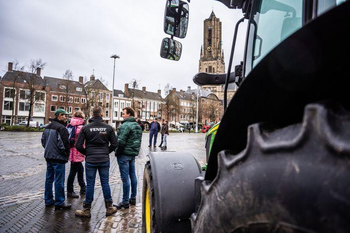 Boerenprotest bij het provnciehuis op de markt Arnhem