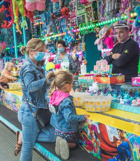 """Rustige start voor de zomerfoor op Sint-Pietersplein: """"Maximum 1.000 bezoekers, en we raden mondmaskers aan"""""""