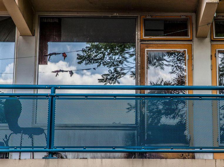 Brandstichting op balkon van een woning in de Tjalkstraat Beeld Amaury Miller