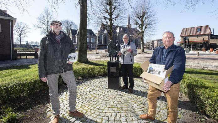 Harry Dekkers (77) en André van der Veer (71)  van de Historische Kring Losser (HKL).