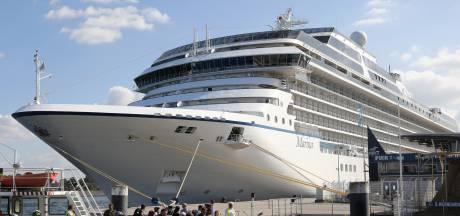 Heumens cruiseschip vertrekt week te laat, wie mee vaart drinkt gratis