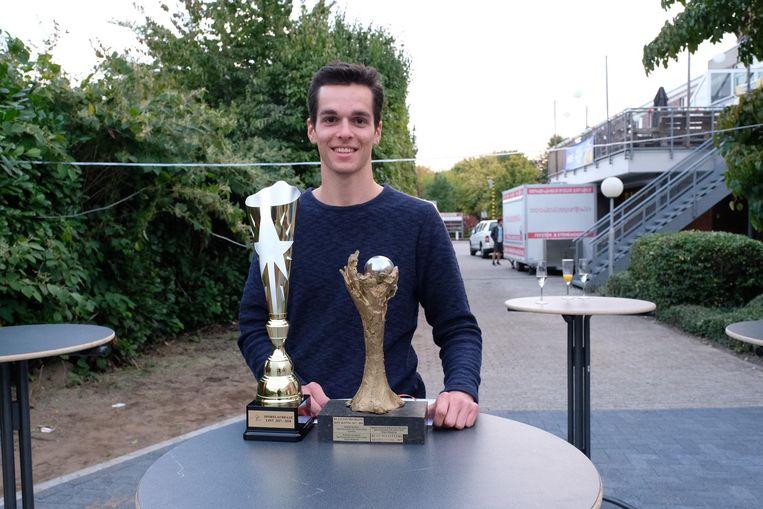 Wereldkampioen ropeskipping Klaas Van Mechelen (20) kreeg de beker voor dé sportprestatie van het jaar.