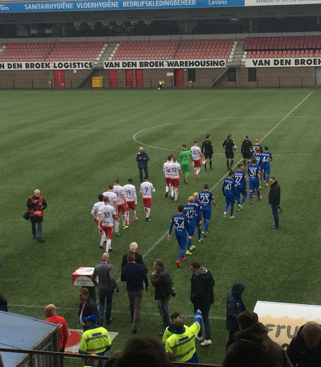 Jubilerend Helmond Sport grossiert ook tegen VfL Bochum in gemiste kansen