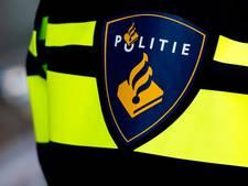 Man trapt voordeur in van huis in Etten-Leur en gaat ervandoor