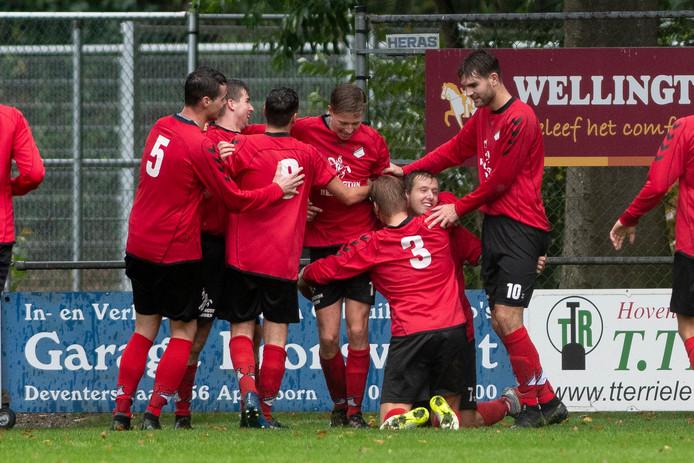 Sander Barink met de 3-1 voor Loenermark.