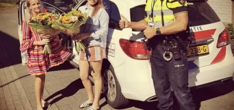 Politie bedankt zussen na redden man uit rokend autowrak in Oss