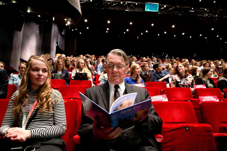 Voormalig SGP-fractievoorzitter Bas van der Vlies tijdens het congres van de SGP-jongeren in 2018. (De jongeren op de foto komen niet voor in het verhaal) Beeld Novum RegioFoto