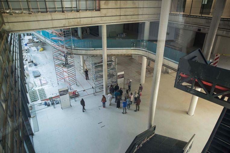 Een zicht op het gelijkvloers van het nieuwe stadhuis.