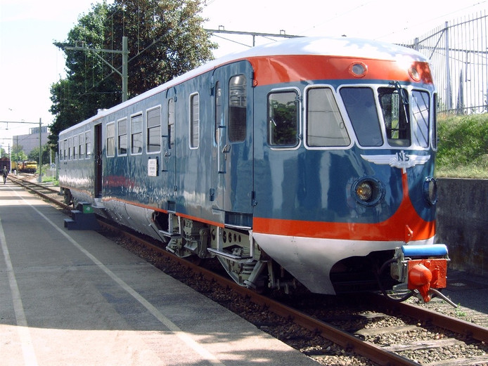 De Blauwe Engel NS 41 die dinsdag 22 augustus vanuit Utrecht naar Almelo rijdt.