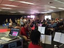 Repeteren voor Udense Musical: 'Een goed decor maakt het helemaal af'