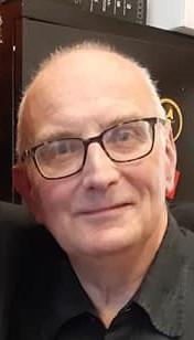 De heer A.J.C.N. (Ad) Smits (60), wonende te Tilburg.