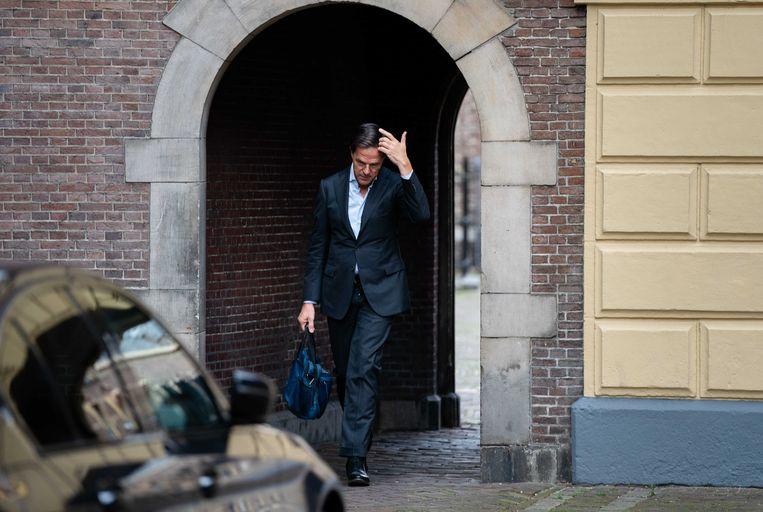 Premier Mark Rutte vrijdag bij aankomst op het Binnenhof voor de wekelijkse ministerraad. Beeld ANP