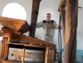 Emiel is molenaar: 'Molen is grootste machine van Doetinchem'