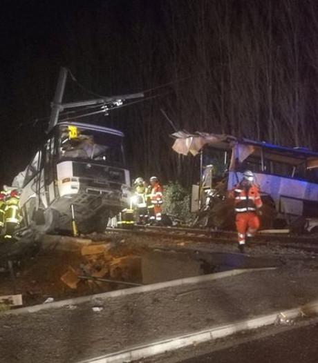 Vier kinderen dood bij botsing tussen trein en schoolbus in Zuid-Frankrijk