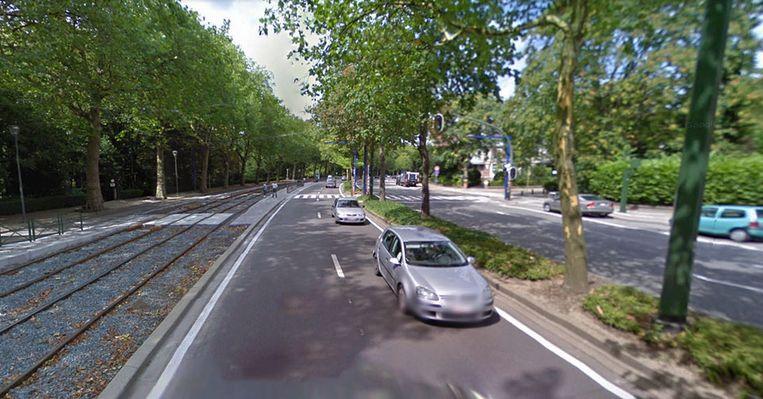 De aanrijding gebeurde op het kruispunt van de Lambermontlaan en de Heliotropenlaan in Schaarbeek.