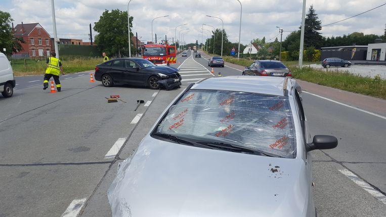 Door het ongeval was op de Evergemsesteenweg een rijstrook versperd.