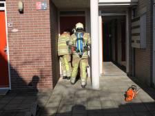 Brandweer zaagt gat in deur, maar waar is de brand?
