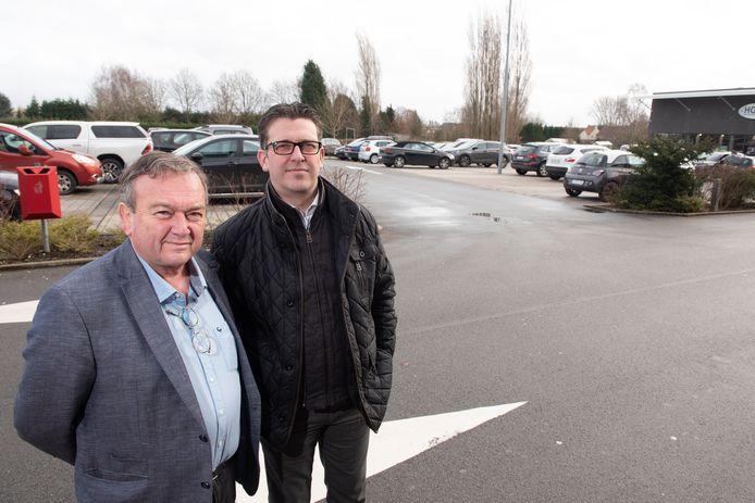 """Philippe Branteghem en Bart Van den Bossche krijgen van de provincie groen licht om hun winkelcentrum uit te breiden, maar de stad heeft daartegen meteen beroep aangetekend. """"Het is onbegrijpelijk dat politici ons blijven tegenwerken, terwijl de bevolking wel pro uitbreiding is"""", bedenken ze op basis van een marktonderzoek."""