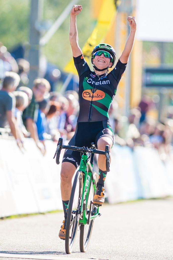 Maud Kaptheijns wint de Superprestigecross in Zonhoven.