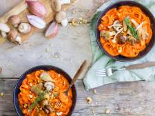 Wat Eten We Vandaag: Tagliatelle met paprikasaus en bospaddenstoelen