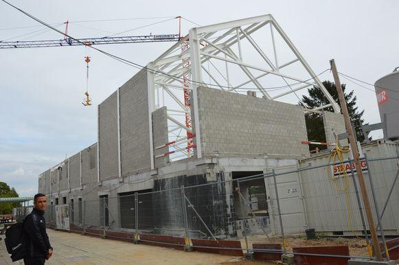 In de stedelijke basisschool De Oogappel in Appelterre zijn de werken voor een nieuw schoolgebouw volop aan de gang.
