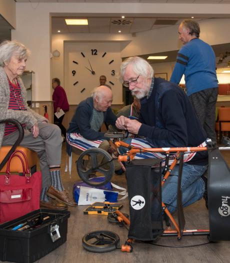 Repair Café Harderwijk helpt senior de winter door