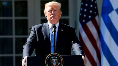 Trump zakt in lijst van superrijken
