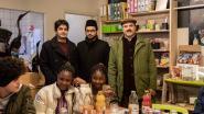 Truiense Ahmadiyya-gemeenschap schenkt 500 euro aan Onthaalonderwijs