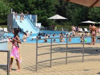 """""""Kleinkinderen geweigerd wegens zwemshort, maar vrouw in boerkini is blijkbaar geen probleem..."""""""