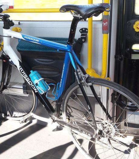 Alleen met vooraf gekocht kaartje met fiets in bus door Westerscheldetunnel