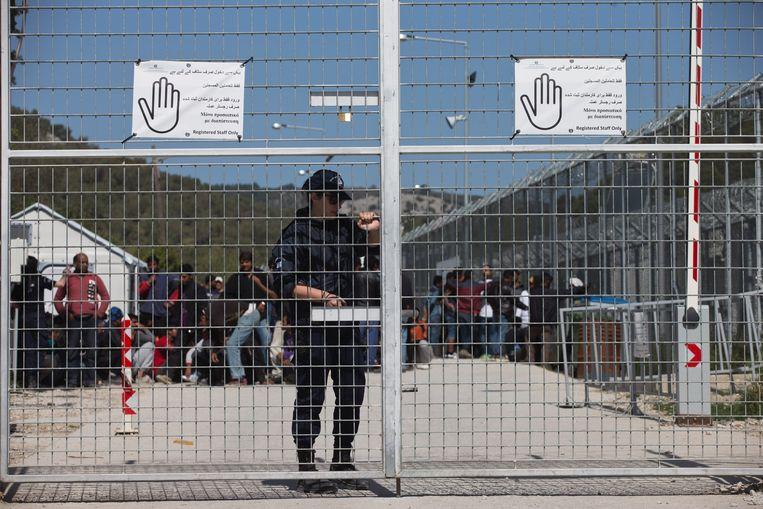 Het kamp Moria op Lesbos waar vluchtelingen in penibele omstandigheden moeten leven.
