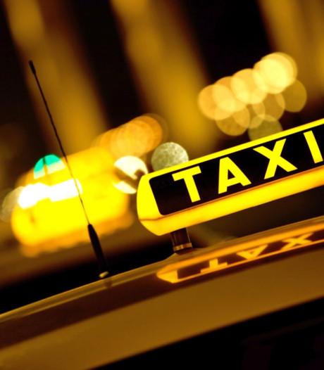 Bedreiger taxichauffeur in Almelo raakt weg kwijt door liefdesverdriet, drank en speed