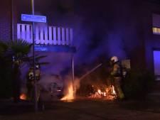 Auto onder carport mogelijk opzettelijk in brand gestoken in 's-Heerenberg