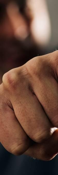Uitgaansgeweld: Schijndelaar (31) slaat tiener knock-out: 'Voortanden vlogen over de straat'