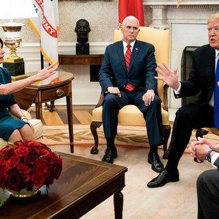 Trump onthoudt Huis-voorzitter Pelosi militair vliegtuig vanwege conflict over 'shutdown'
