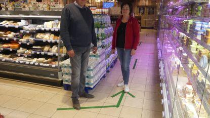 """Zultse supermarkten voeren eenrichtingsverkeer in: """"Elkaar kruisen tussen de winkelrekken lukt niet op veilige afstand"""""""