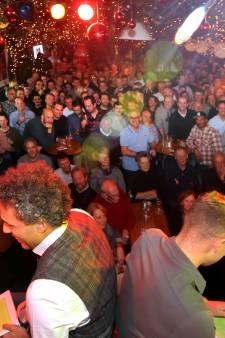 Vader en zoon Van Hooijdonk samen op het podium bij Bier & Ballen
