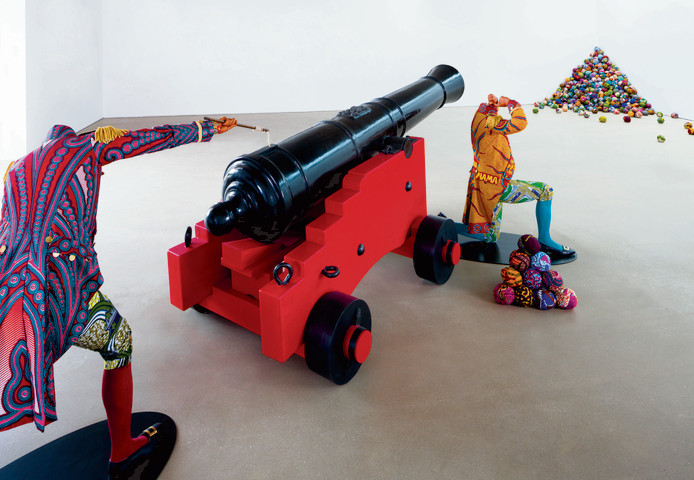 Het kunstwerk Cannonball Heaven, gemaakt door Yinka Shonibare.