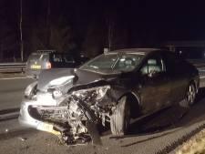 A73 bij Heumen uren dicht na ongeluk met vijf auto's
