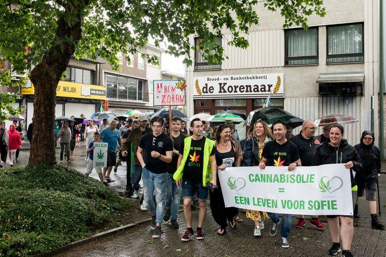 De solidariteitsmars voor Sofie Voncken van vorig jaar in Maasmechelen. Er stapte een 300-tal mensen mee.