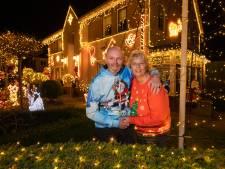 Hardenbergs paar heeft kersthuis met 21.000 lichtjes