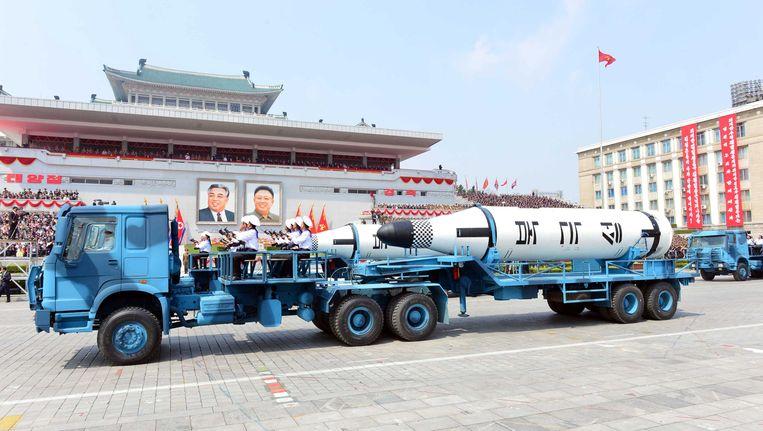 Pronken met raketten, dat hebben de Noord-Koreanen afgelopen zondag nog maar eens gedaan tijdens 'Dag van de Zon'. Indien een Amerikaanse aanval Noord-Korea zou treffen, zou radioactieve bestraling ook snel Rusland kunnen bereiken.