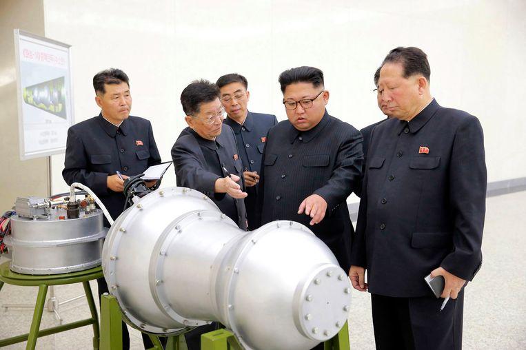 2017. Kim Jong-un op een onbekende locatie in Noord-Korea. Beeld AP