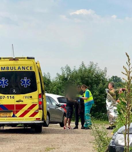 Agenten redden drenkeling uit Rijn in Arnhem
