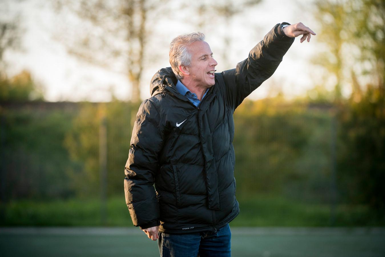 Miguel van den Dungen als trainer van Nuenen op archiefbeeld.