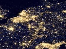 Uilen, nachtvlinders en sterren in 't pikkedonker tijdens Nacht van de nacht